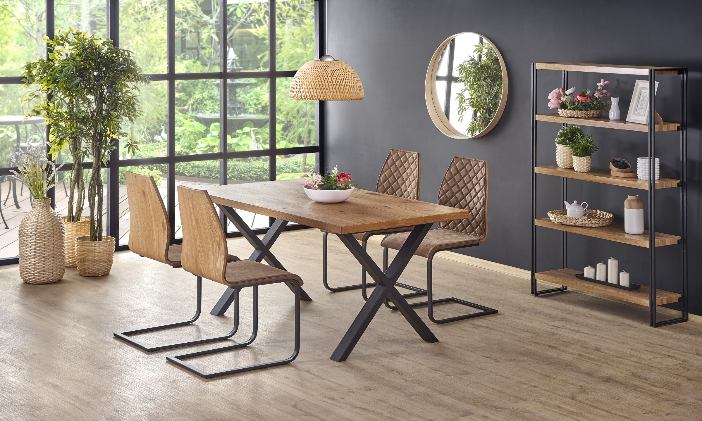 XAVIER stôl